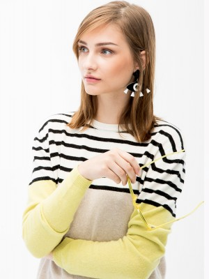 VICTORIA KNITWEAR IN CAMEL-LIME