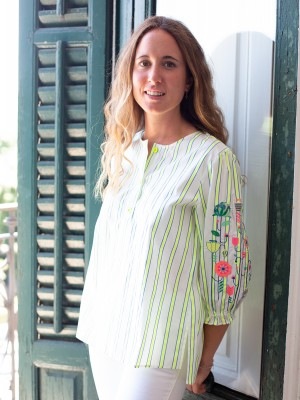 CAMISA KAREN BORDADA LIME BLUE STRIPE