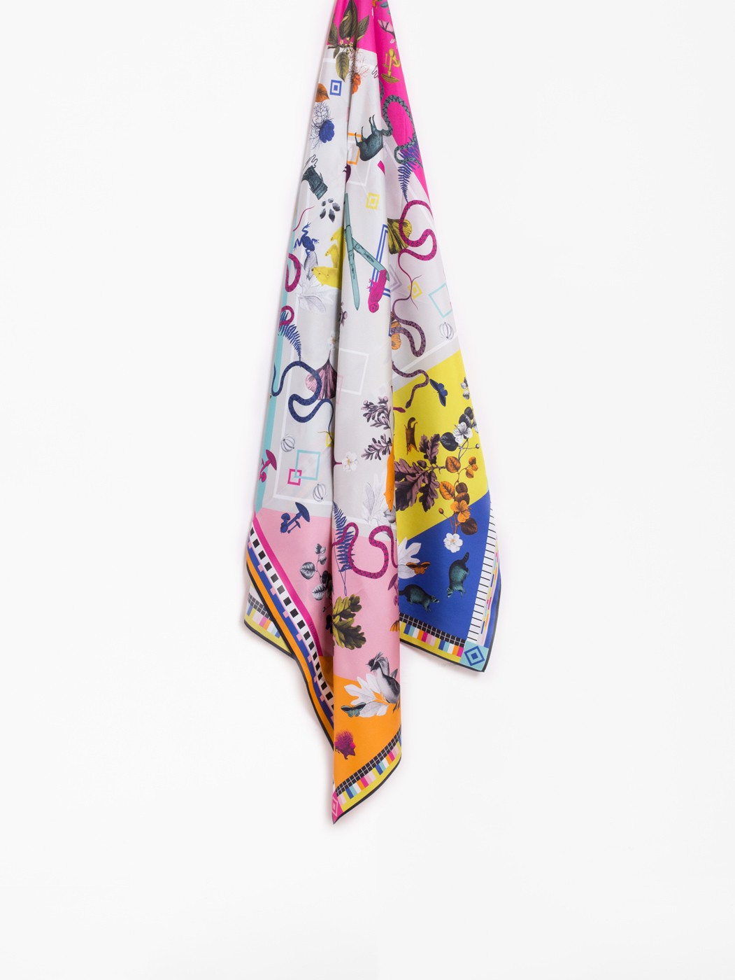 QUIRKY POLAR SILK FOULARD