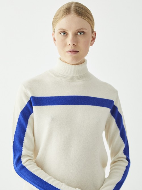 BETSY TURTLE NECK CHALK KN